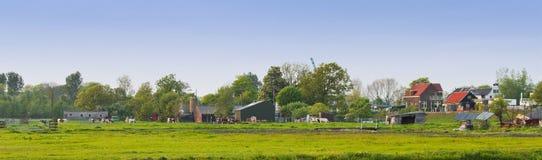Paisaje holandés del país del panorama en resorte Imagen de archivo