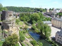 Paisaje impresionante de la ciudad más baja, sitio del patrimonio mundial de la UNESCO de la ciudad de Luxemburgo Imagen de archivo libre de regalías