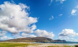 Paisaje irlandés rural hermoso de la naturaleza del país de Irlanda imagen de archivo