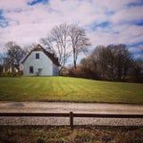 Paisaje irlandés - casa de campo en naturaleza Fotografía de archivo libre de regalías