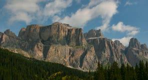 Paisaje, Italia, montaña, naturaleza, verano, alpino, viaje, dolomías, cielo, al aire libre, montañas, azul, turismo, vacaciones, Fotos de archivo libres de regalías