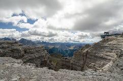 Paisaje italiano del norte de la montaña - alto el Adigio de Trentino Foto de archivo libre de regalías