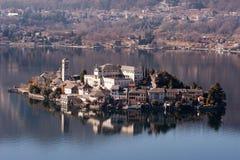Paisaje italiano famoso de Orta del lago Fotografía de archivo