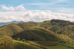 Paisaje italiano hermoso del campo sobre Rolling Hills y B Fotos de archivo