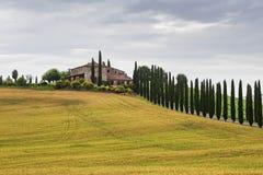 Paisaje italiano típico en Toscana Imagenes de archivo