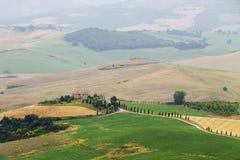 Paisaje italiano típico en Toscana Fotos de archivo libres de regalías