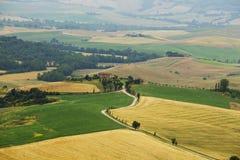 Paisaje italiano típico en Toscana Fotos de archivo