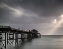 Paisaje largo de la exposición del cielo cambiante del witn victoriano del embarcadero Fotos de archivo