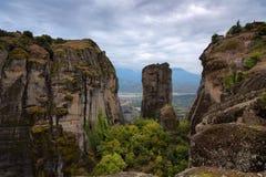 Paisaje magnífico del otoño de Meteora Meteora oscila en un día soleado, nublado Montañas de Pindos, Thessaly, Grecia, Europa Fotografía de archivo