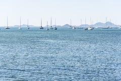 Paisaje marítimo con los barcos imagen de archivo libre de regalías