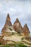 Paisaje maravilloso de la montaña en Cappadocia, Turquía Fotos de archivo