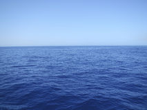 Paisaje marino azul tranquilo Imagen de archivo