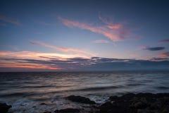 Paisaje marino cambiante de la puesta del sol Foto de archivo libre de regalías