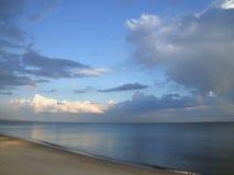 Paisaje marino con el arco iris natural Imagen de archivo libre de regalías