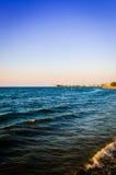 Paisaje marino con el cielo limpio Imagenes de archivo