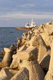 Paisaje marino con el dolosse. Fotografía de archivo libre de regalías