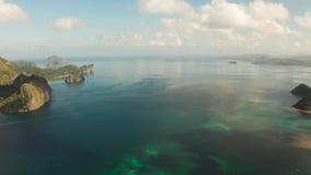 Paisaje marino con el EL tropical Nido, Palawan, Filipinas de las islas almacen de metraje de vídeo