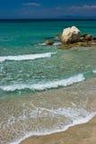 Paisaje marino con la piedra Fotografía de archivo libre de regalías