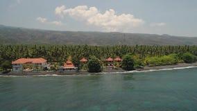 Paisaje marino con la playa tropical almacen de video