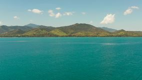 Paisaje marino con las islas tropicales y el mar azul, Palawan, Filipinas almacen de video