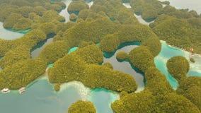 Paisaje marino con las lagunas y las islas almacen de video
