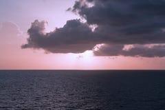 Paisaje marino con las nubes Fotos de archivo libres de regalías