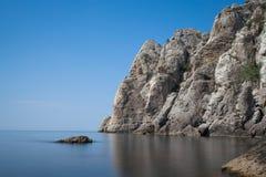 Paisaje marino con Mountain View Imagenes de archivo