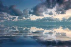 Paisaje marino de Beautifull con las nubes Fotos de archivo