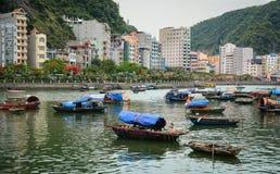 Paisaje marino de Cat Ba Island en Haifong, Vietnam Imágenes de archivo libres de regalías