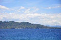 Paisaje marino de la bahía de Batangas Foto de archivo