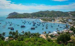 Paisaje marino de la bahía de Vinh Hy en Vietnam Fotografía de archivo