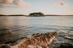 Paisaje marino de la isla de Hvar Foto de archivo