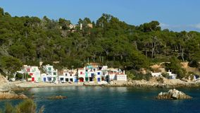 Paisaje marino del ` de Costa Brava del ` en Cataluña almacen de video