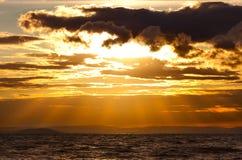 Paisaje marino del ocaso fotos de archivo