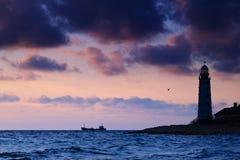 Paisaje marino en la puesta del sol. foto de archivo
