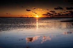 Paisaje marino hermoso de los cielos de la puesta del sol Imagen de archivo libre de regalías