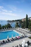 Paisaje marino mediterráneo de Opatija de la ciudad Fotos de archivo libres de regalías