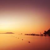 Paisaje marino minimalista Salida del sol costera Imágenes de archivo libres de regalías