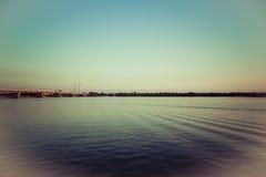Paisaje marino pacífico en la tarde Fotos de archivo