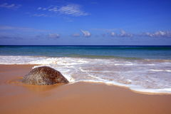 Paisaje marino, playa de Surin, Phuket fotos de archivo libres de regalías