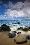 Paisaje marino vertical brillante del océano en Kauai Hawaii Fotografía de archivo libre de regalías