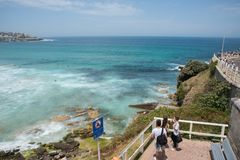 Paisaje marino y puesto de observación de la playa de Bondi Imagenes de archivo