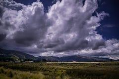 Paisaje mistic andino con los cielos clowdy imágenes de archivo libres de regalías
