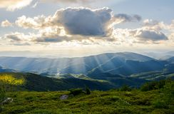 Paisaje montañoso hermoso del verano Foto de archivo