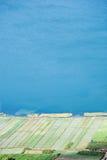 Paisaje natural (campo y mar Imagen de archivo