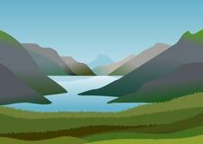 Paisaje natural con las montañas y el lago de la calma y de las aguas de restauración Imagen de archivo