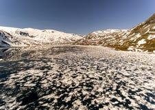 Paisaje natural de Noruega de la naturaleza hermosa Lago aéreo Djupvatne imágenes de archivo libres de regalías