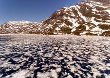 Paisaje natural de Noruega de la naturaleza hermosa Lago aéreo Djupvatne fotos de archivo