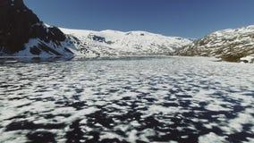 Paisaje natural de Noruega de la naturaleza hermosa Lago aéreo Djupvatne de la cantidad almacen de metraje de vídeo