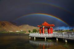 Paisaje, naturaleza, China, Tíbet, arco iris imagen de archivo